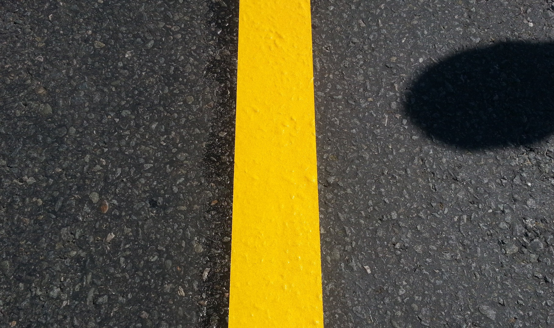 Временна организация на движението с лента за пътна маркировка оранжев цвят