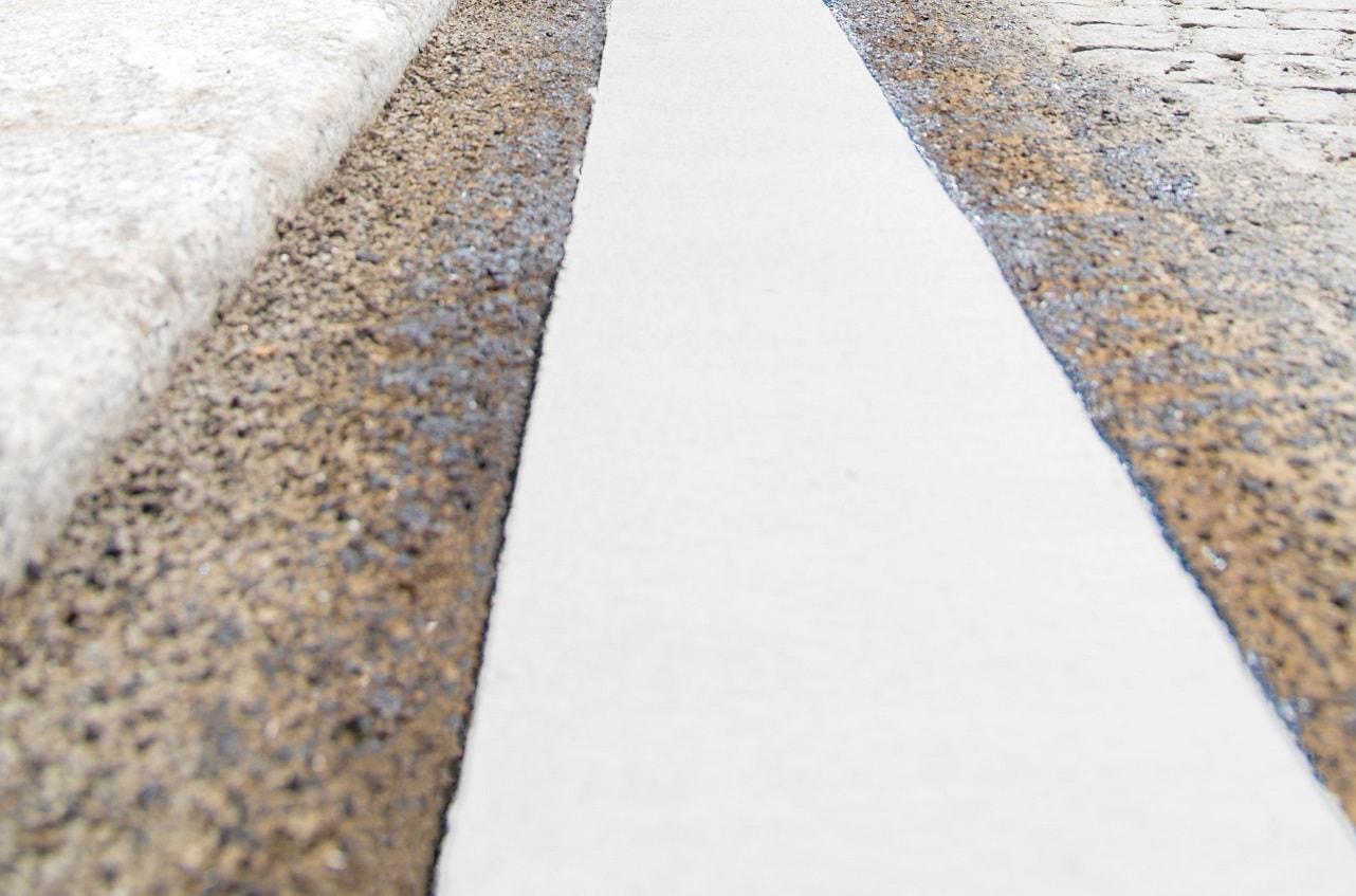 Пътна маркировка за гранитни павета