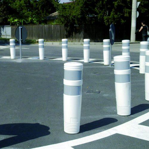 Елементи от пластмаса и гума делинеатори паркинг оборудване гъвкави пътни конуси гумени бордюри трафик бариери ограничители на движението
