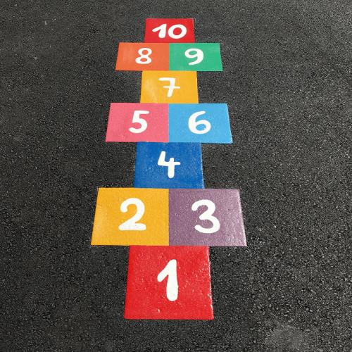 Игри за детски площадки от термопластик куцанка дама и площадки по безопасност на движението