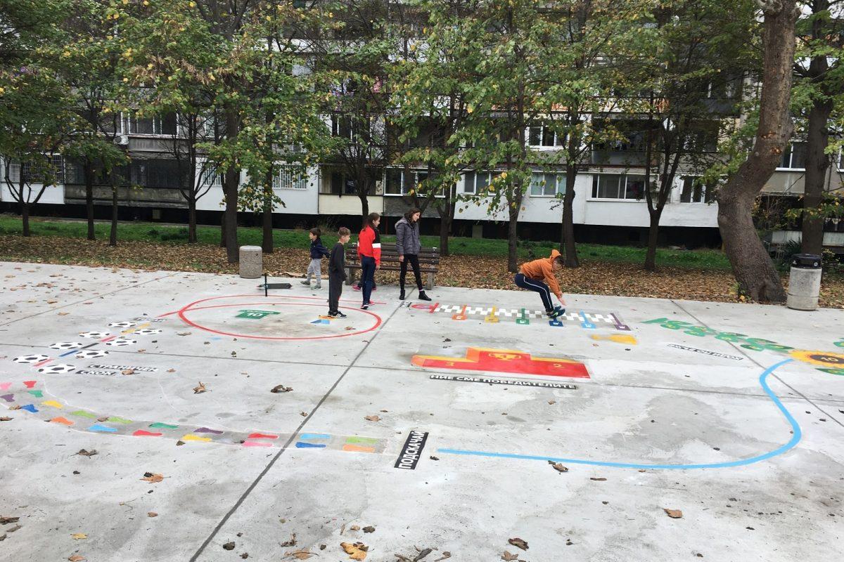 Игра за детски площадки от термопластик спортни предизвикателства скок на дължина на детска площадка в ж.к. Зорница, гр. Бургас